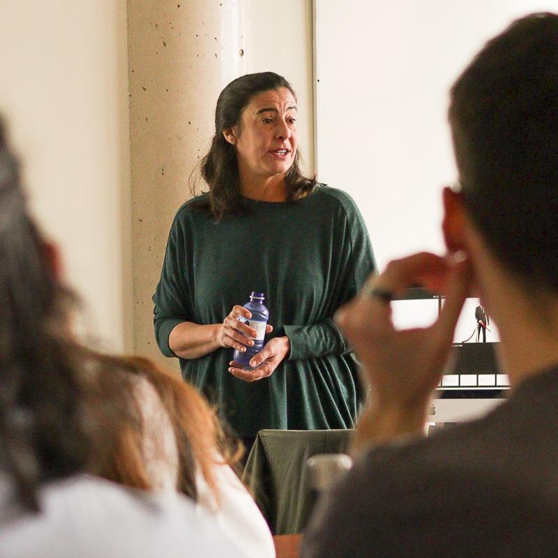 Ana Sanz Magallón. Profesora Máster Guion.