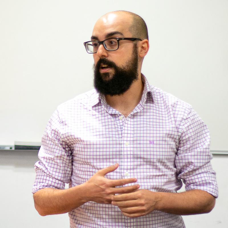 Roberto Gelado. Profesor Máster Guion.