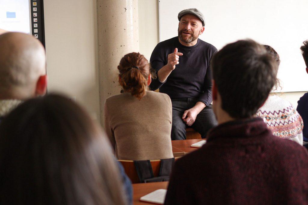 El guionista Iván Escobar en el Máster de guion