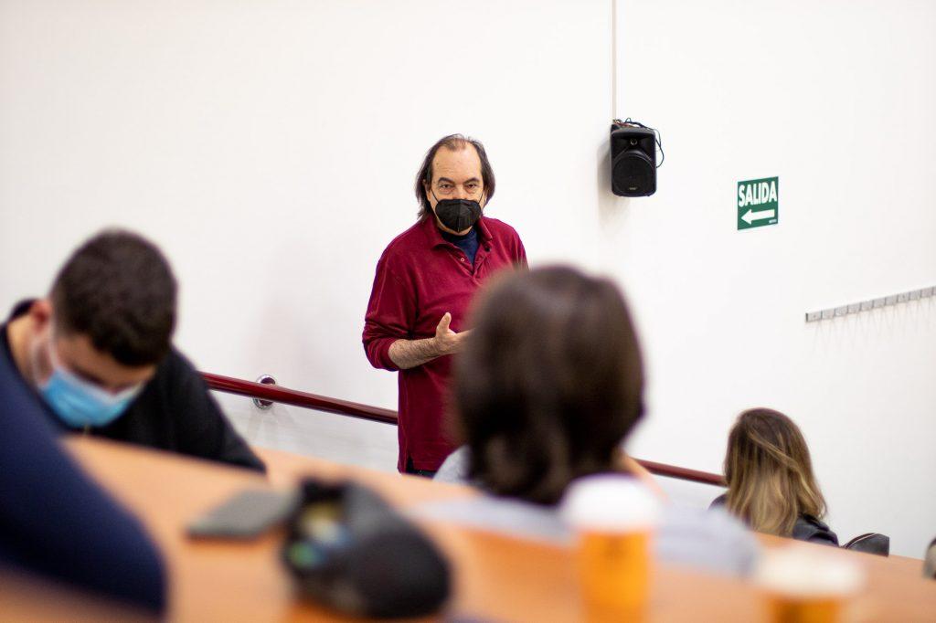 Valentín Fernández Tubau, guionista